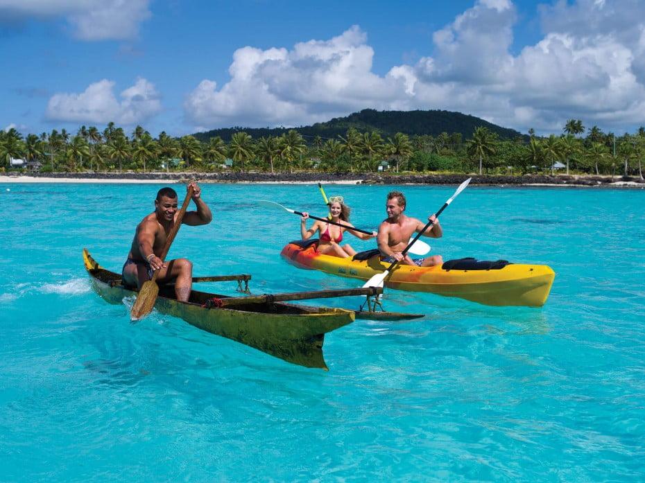 Canoe, Samoa.